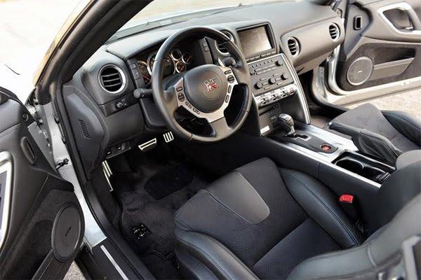 2012-Nissan-GTR.jpg