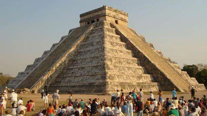 antik-maya-tapinagindan-gelen-enteresan-yanki-sesleri-sosyal-medyada-gundem-yaratti-1520595210.jpg