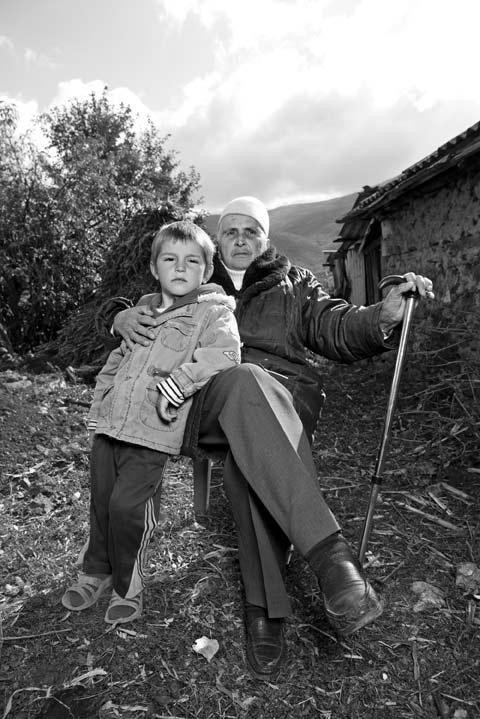 arnavutluk-erkek-gibi-yasayan-kadinlar-2.jpg