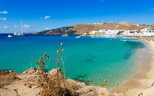 best-beaches-mykonos-platis-gialos.jpg