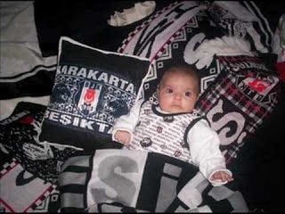 fanatik-besiktasli-bebekler.jpg