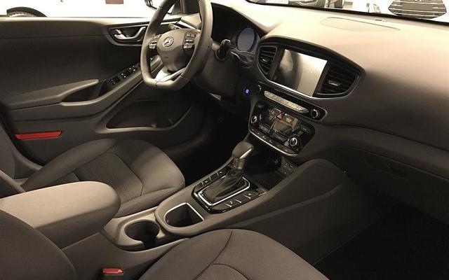 Hyundai-Ioniq-Hibrit-2.jpg