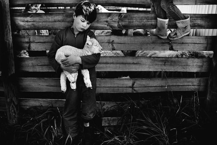 Niki-Boon-Childhood-in-the-raw-cocuklar-teknolojiden-uzak-dogal-yasam-14.jpg